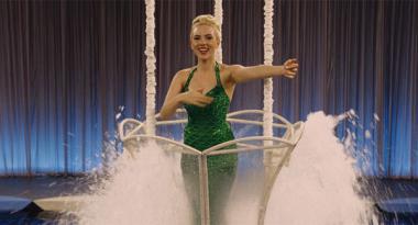 コーエン兄弟 『ヘイル、シーザー!』 スカーレット・ヨハンソン演じる花形女優。賑やかで楽しい撮影現場。