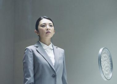 『葛城事件』 星野順子(田中麗奈)は死刑囚となった稔に会いにくる。