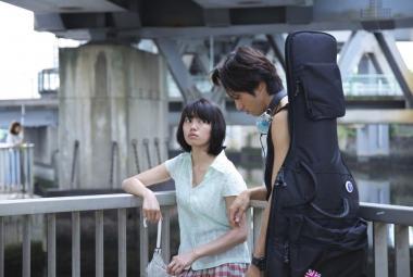 前田司郎 『ふきげんな過去』 果子(二階堂ふみ)はいつもふきげんな表情。