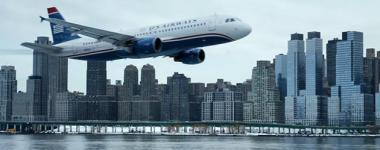 『ハドソン川の奇跡』 低空飛行の旅客機は9.11を思わせて恐ろしい部分がある。