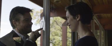 『ザ・ギフト』 サイモン(ジェイソン・ベイトマン)とロビン(レベッカ・ホール)は新居に引っ越してくるのだが……。
