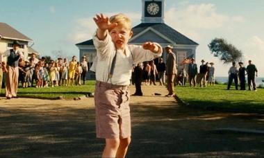 『リトル・ボーイ』 ペッパー少年は「からし種一粒ほどの信仰があれば山をも動かす」という聖書の言葉通り山を動かそうと念を送る。