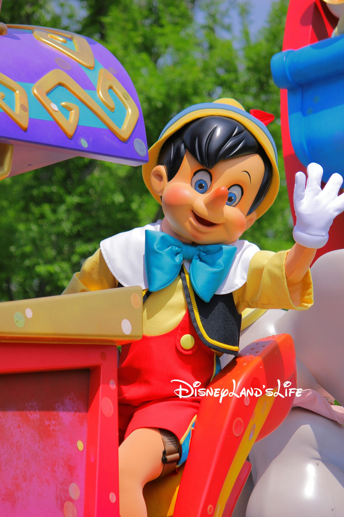 HappinessIsHere_ピノキオ001.jpg