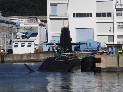 横須賀基地・海自の潜水艦