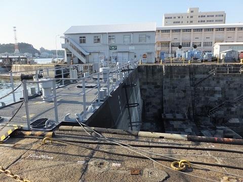 横須賀基地第2号ドライドック・扉船
