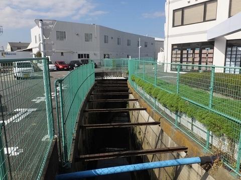 歌川分流排水路・R129新桜橋