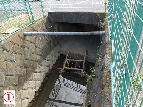 歌川分流排水路・神田幼稚園付近