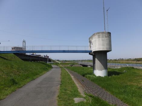 平瀬川浄化施設操作塔