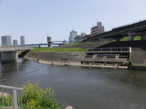 平瀬川浄化施設