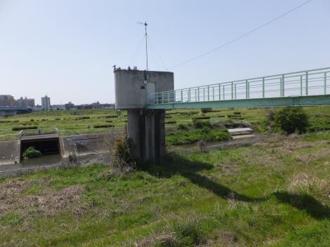 野川取水堰操作塔