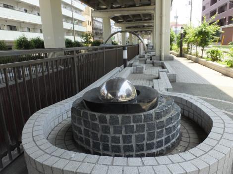 谷沢川・仙川浄化水の放流施設