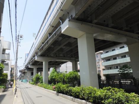 首都高・用賀駅付近