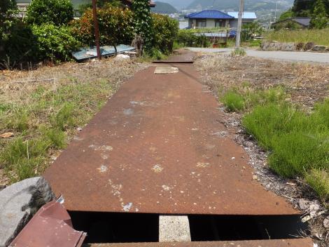 岩堂セギ円筒分水庫から分水を受けた用水路