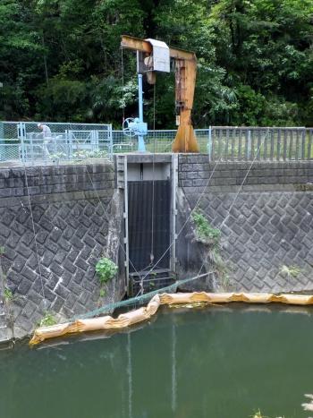三沢川の農業用水取水施設取水口