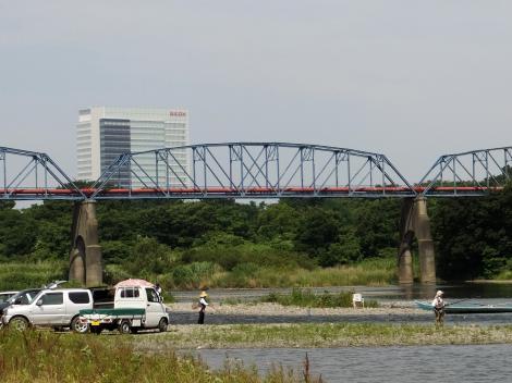 相模川に架かる横須賀水道上郷水管橋