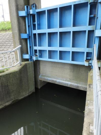 登戸排水樋管ゲート