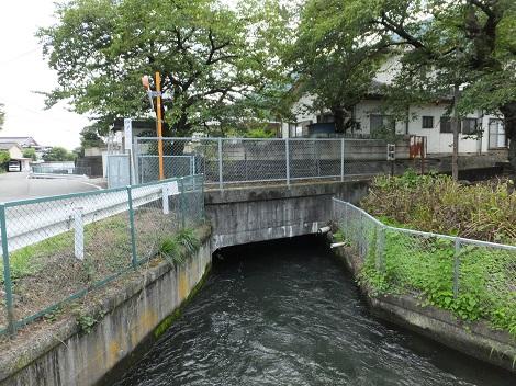 徳島堰・入戸野沢と交差