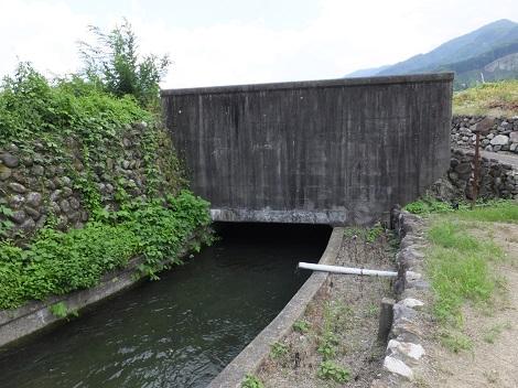 徳島堰・堅沢暗渠入口