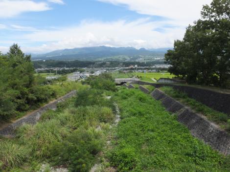 甘利沢橋より甘利沢下流を望む