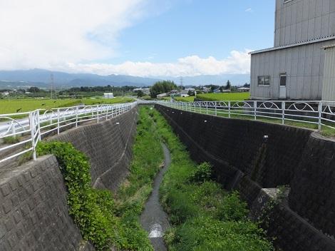 徳島堰より割羽沢下流を望む