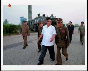 20160720 경애하는 김정은동지께서 조선인민군 전략군 화성포병부대들의 탄도로케트발사훈련을 지도하시였다mp4_000080000