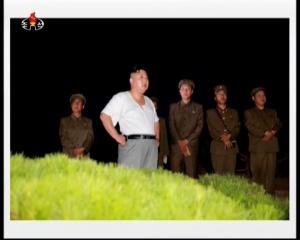 20160825 주체조선의 핵공격능력의 일대 과시 경애하는 김정은동지의 지도밑에 전략잠수함 탄도탄수중시험발사가 성공적으로 진mp4_000081964