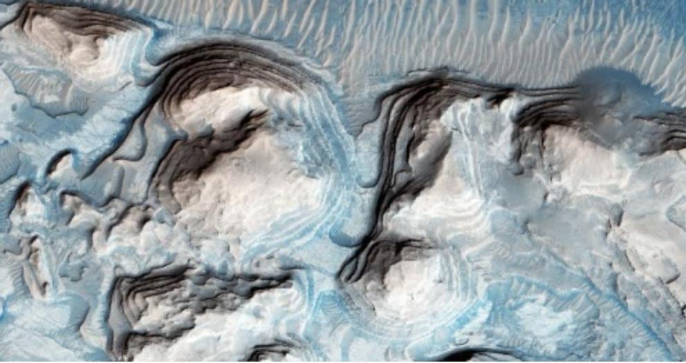 火星に津波か