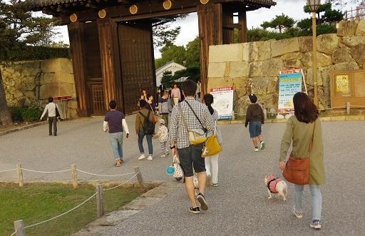 11-9姫路城散歩へ