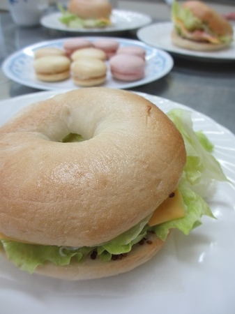 ベーグルとマカロン 県パン