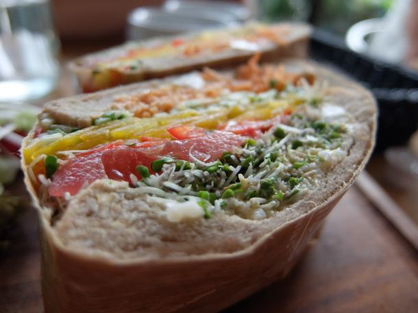 ベジタブルエッグスプラウトサンドイッチ