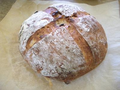 手づくりパン(カンパー二ュ)