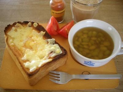 朝食(エッグトースト)