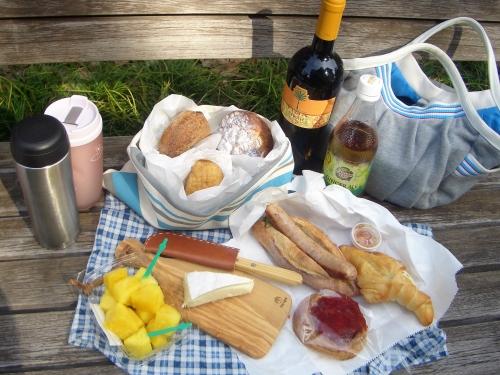 朝のピクニック