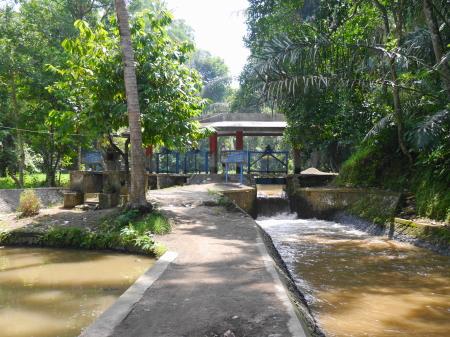 アユン川の水門