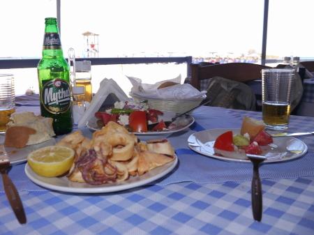 カラサスビーチ昼食
