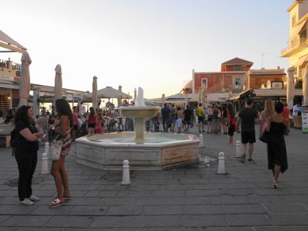 夕食前の港