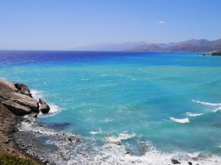 入浴剤入り海の色