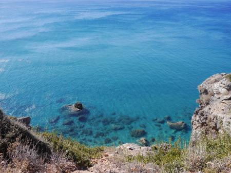 吸い込まれそうな海の色