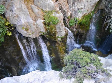 水量のある滝