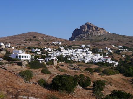 反対側の白い村