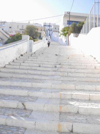 アノ・シロスへの石段