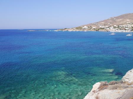 近くのきれいな色の海