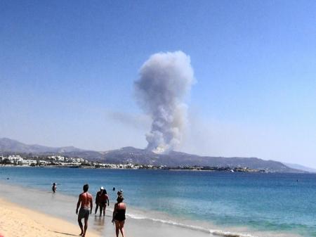 ビーチから山火事体験