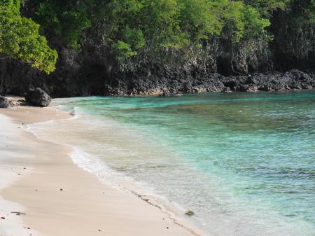水がきれいなブルーラグーンビーチ