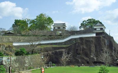 西側より、臼杵城址を望む