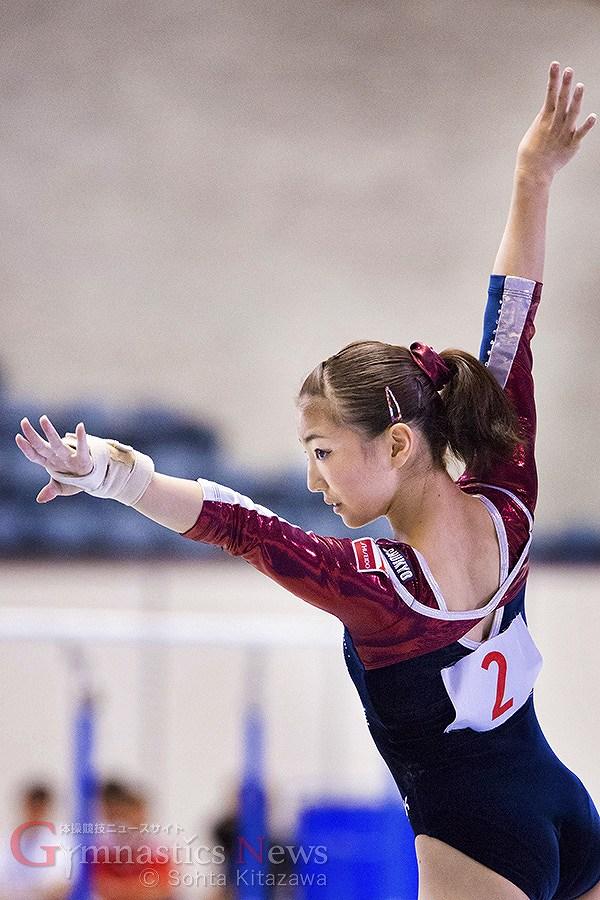 レオタードを着た女子体操・寺本明日香のお尻