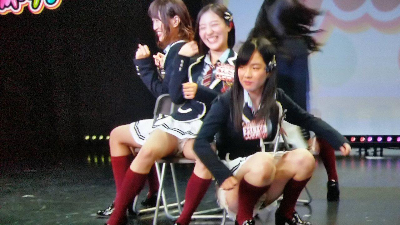 「夕方NMB48」イス取り選手権でパンチラしてる中野麗来