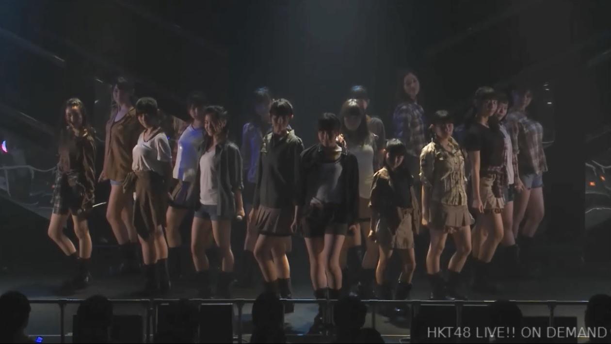 HKT48の公演でTシャツを着た田中優香の着衣巨乳