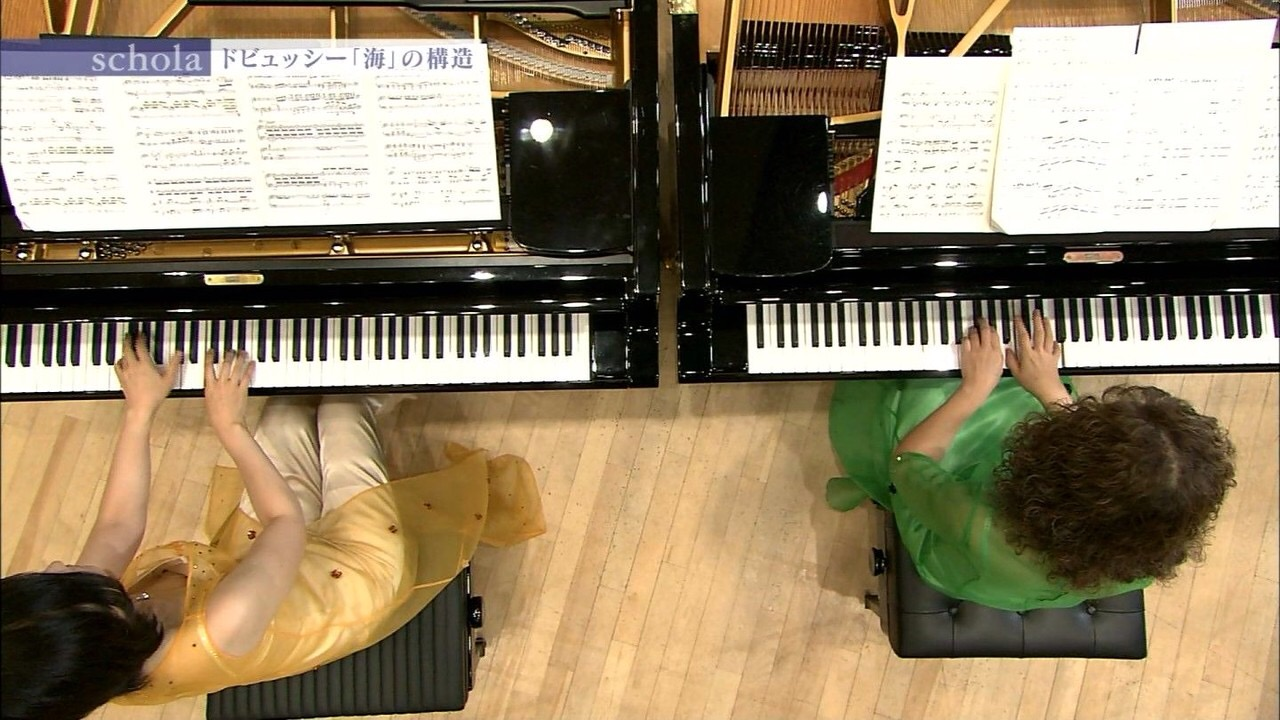 NHKでドビュッシーを弾くピアノお姉さんの乳首ポロリ