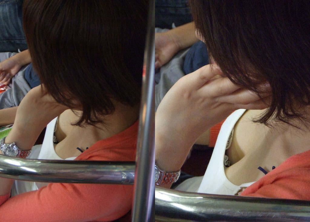 電車で撮られた爆乳の女の子の着衣おっぱい谷間